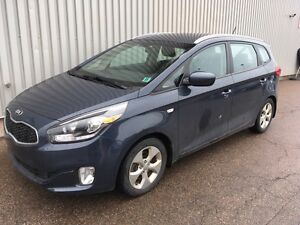 2014 Kia Rondo LX AWESOME 5 SEATER WITH LOW KMs AND FACTORY W...