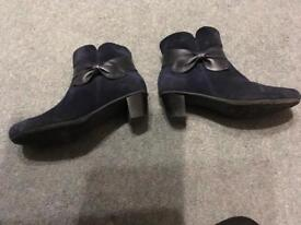 Navy suede Hotter boots size 6