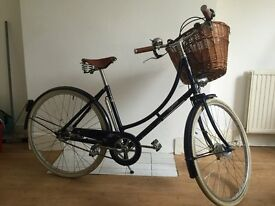 Beautiful Blue Pashley Princess Ladies Classic Bicycle Hardly Used Very Good Condition