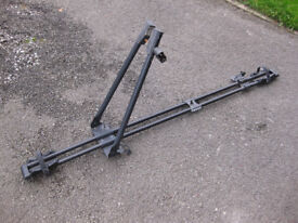 THULE 575 ROOF BAR MOUNTED CYCLE CARRIER