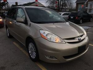 2008 Toyota Sienna XLE, Loaded; Leather, Alloys and More !!!! London Ontario image 4