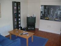 3 bedroom flat in Kenton Road, Gosforth, Newcastle Upon Tyne, NE3