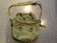 VINTAGE RETRO green canvas bag. Great for fishing / uni / artists / hobbies & even packed lunch !!!