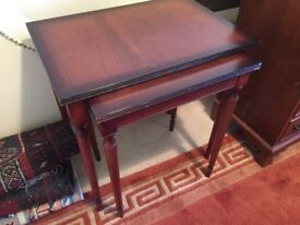 Nest of two tables, Mahogany - good condition