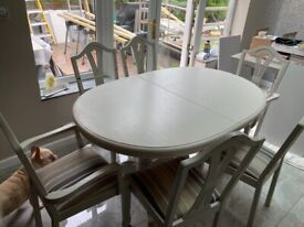 Wooden Extending Dining Table and 6 Chairs