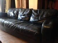 VINTAGE/RETRO LEATHER THREE SEATER SOFA GREAT LOOKING PIECE GREAT PATINA LOCAL DELIVERY POSSIBLE