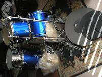 PP 5-drum kit + h/ware, cymbals etc....hardly used