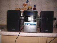 PHILLIPS MICRO SYSTEM CD/TAPE/RADIO