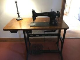VINTAGE SINGER SEWING MACHINE ON A TABLE. COLLECTION ONLY