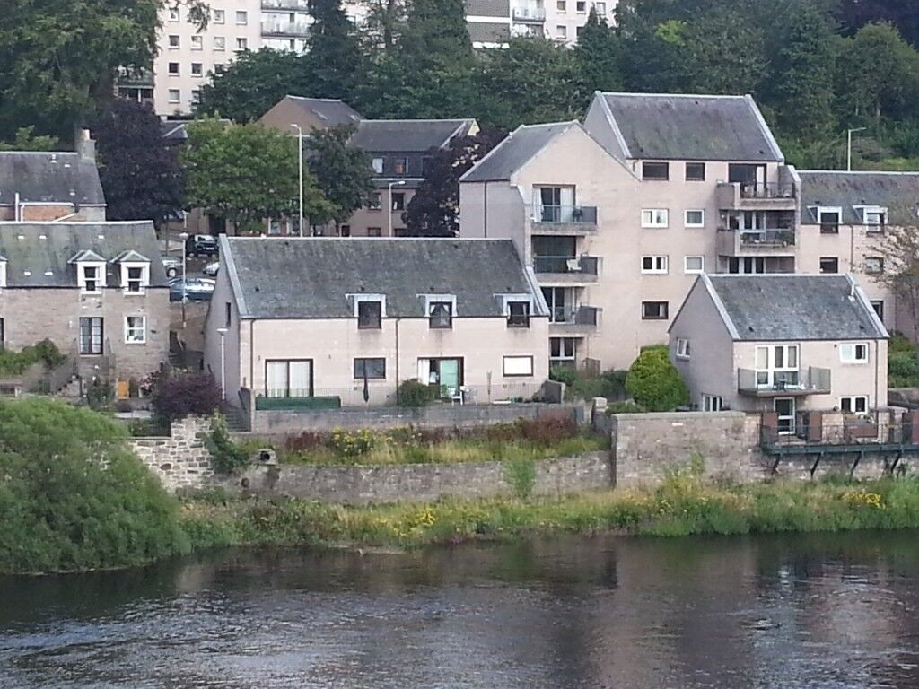 3 Bedroom House Facing The River Tay In Central Perthavailable For Rent