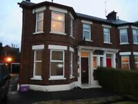 MUCH LOVED SPACIOUS 4 BED FAMILY HOME TO RENT WOULD SUIT FAMILY OR PROFESSIONALS