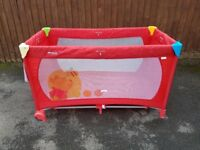Hauck Disney Dream n Play Travel Cot (Pooh Spring Brights Red)