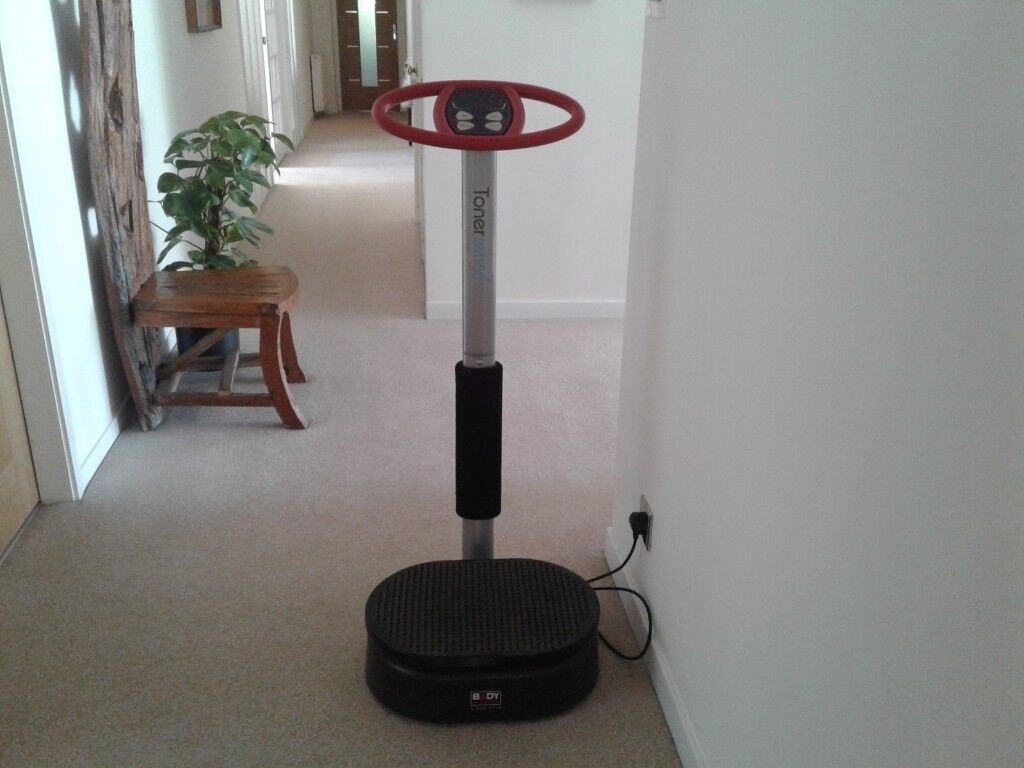 Vibration Plate Toner BM1501 with timer, auto function, speed up/down in good conditionin Newton Mearns, Glasgow - In good condition but moving house so need to get rid of