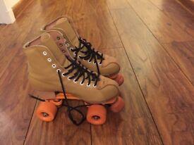 Golden Horse Outdoor Roller Skates UK 3