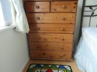 7 drawer solid wood pine chest of drawers, vg condition.