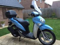 Yamaha Xenter 125 scooter FSH, 1yr MOT, 2 owners, heated Oxford grips, colour matched top box