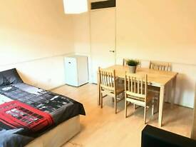 Huge double room available in Archway just 190 Pw with private garden no fees 2 weeks deposit