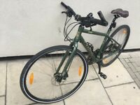 Barely Used Hybrid, was £790 past Christmas, fluid hydrlic disc brake, 24 speed, nice back light
