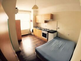 Studio Flat to Rent in Sheen Lane, Richmond, Only £895 Including all Bills