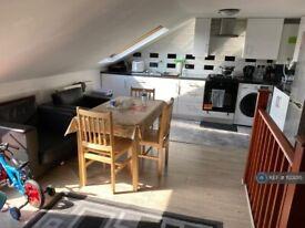 Studio flat in High Road, London, N22 (#1123015)
