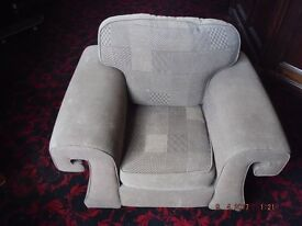 "1 Large Aztec Brown Cotton Chunky Sofa Armchair Removable covers 38""x48""x36"" Used"