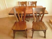 Dark Oak Table with 6 Chairs. Very Good Condition.