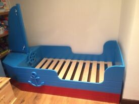 Pirate children's bed