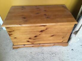 Pine Blanket Box/Toy Box