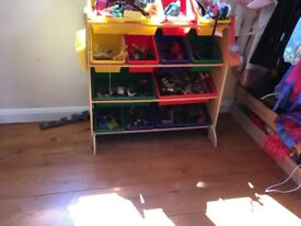 Kiddie kaft storage shelves