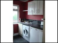 2 large rooms with private kitchen and bathroom - 2 friends/couple wanted. £850/month incl bills