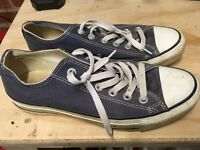Converse All Stars Trainers.. Dark Blue.. size 5.