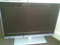 Philips widescreen flat TV model No 26PFL5522D05