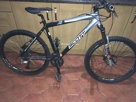 Scott reflex 30 disc mountain bike with upgrads