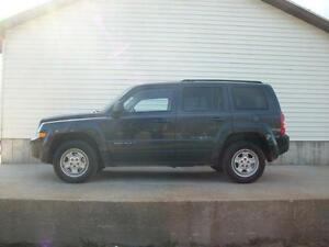 2014 Jeep Patriot GREAT DEAL ....AUTO...4X4