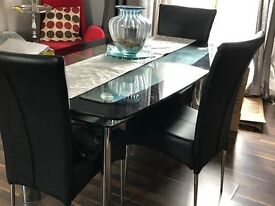 £20 dining table & 3 chairs