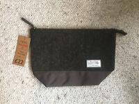 Mens Harris Tweed Wash Bag (NEW WITH TAGS, RRP £22.00)