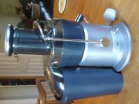 BREVILLE WORRALL THOMPSON JE15 PRO ELECTRIC JUICER.