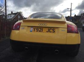 Audi TT -yellow