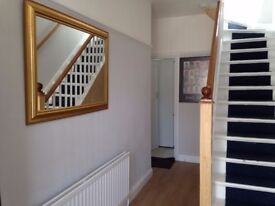 Very nice double room in Female house/short term considered