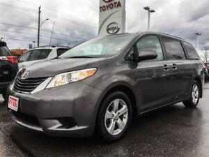 2011 Toyota Sienna LE-LEATHER SEATS+PWR SLIDING DOORS!