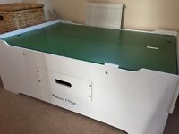 Melissa and Doug activity play table in good condition