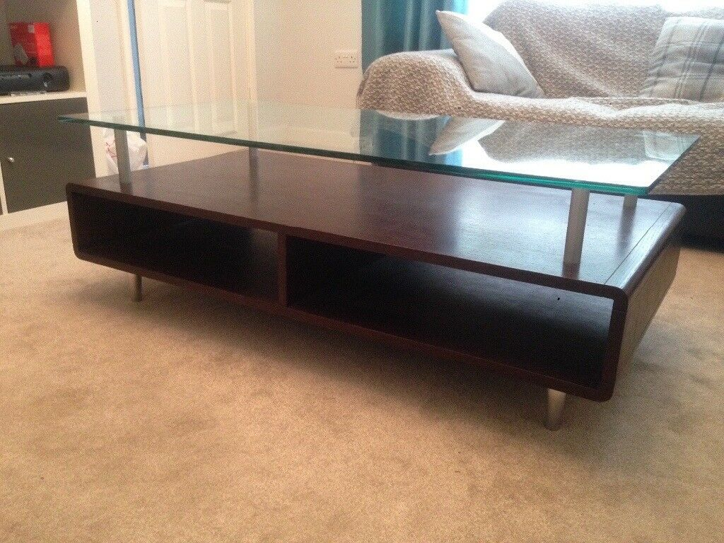 Fantastic mahogany coffee table, very good condition!!