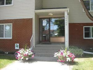 *INCENTIVES*Bachelor w/ Patio in Spotless Central Adult Bldg ~33