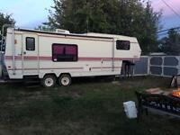 26' Corsair 5th wheel with Slide Out