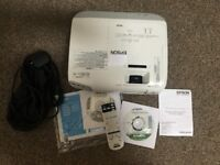 Epson EB-X20 LCD Projector HDMI, 3LCD with Inbuilt Speakers