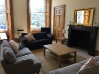 Edinburgh Festival flat to rent. Beautiful Georgian flat, sleeps 8 comfortably. 4-week min'm let