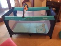 Hauck Travel Cot Winnie the Pooh theme