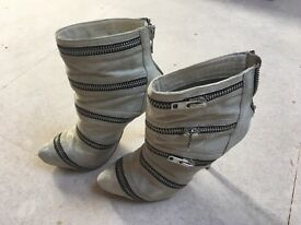Also Zipped Grey High Heel Boots Size 5 - Hardly Worn