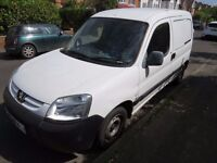 Peugeot Partner 2.o hdi, M.O.T. Side loading door cambelt done, service history, central locking.