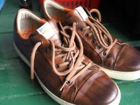 Ecco Golf Shoes. Size 11. Excellent condition.